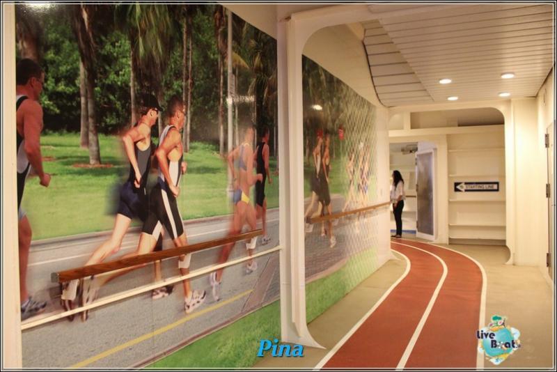 La pista da jogging di Oasis ots-foto-royal-caribbean-oasis-ots-pista-4-jpg