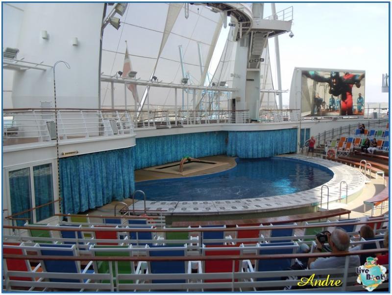 -8-royal-caribbean-oasis-of-the-seas-aquatheater-jpg