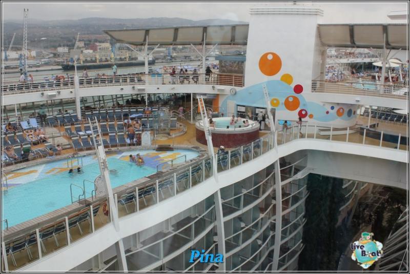 -foto-royalcaribbeanoasisots-areapool-liveboat-crociere-155-jpg
