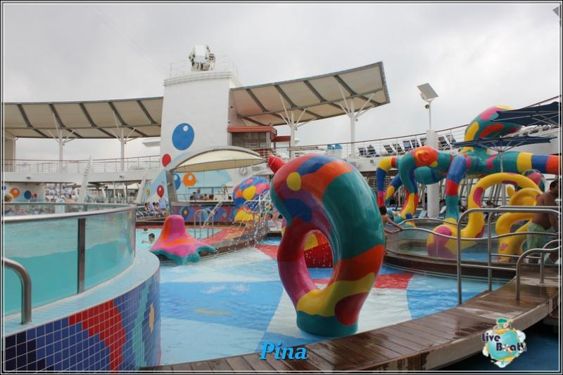 -foto-royalcaribbeanoasisots-areapool-liveboat-crociere-157-jpg