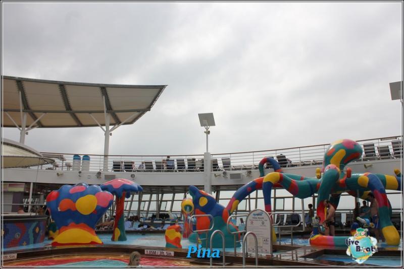 -foto-royalcaribbeanoasisots-areapool-liveboat-crociere-158-jpg