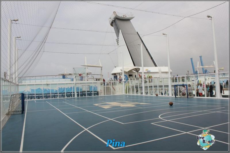 -foto-royalcaribbeanoasisots-areapool-liveboat-crociere-163-jpg