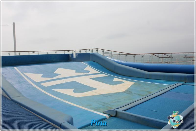 -foto-royalcaribbeanoasisots-areapool-liveboat-crociere-165-jpg
