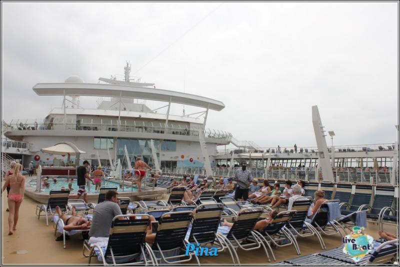 -foto-royalcaribbeanoasisots-areapool-liveboat-crociere-169-jpg