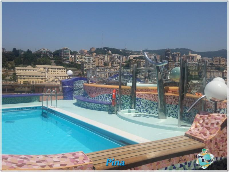Piscine e idro di Msc Splendida-foto-msc-splendida-piscine-liveboat-crociere-2-jpg