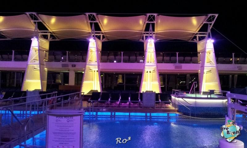 2014/10/06 Civitavecchia Imbarco Celebrity Reflection-liveboat-020-celebrity-reflection-crociera-navigazione-jpg