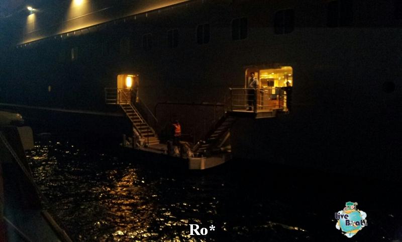 2014/10/08 Santorini Celebrity Reflection-25-foto-celebrity-reflection-santorini-diretta-liveboat-crociere-jpg