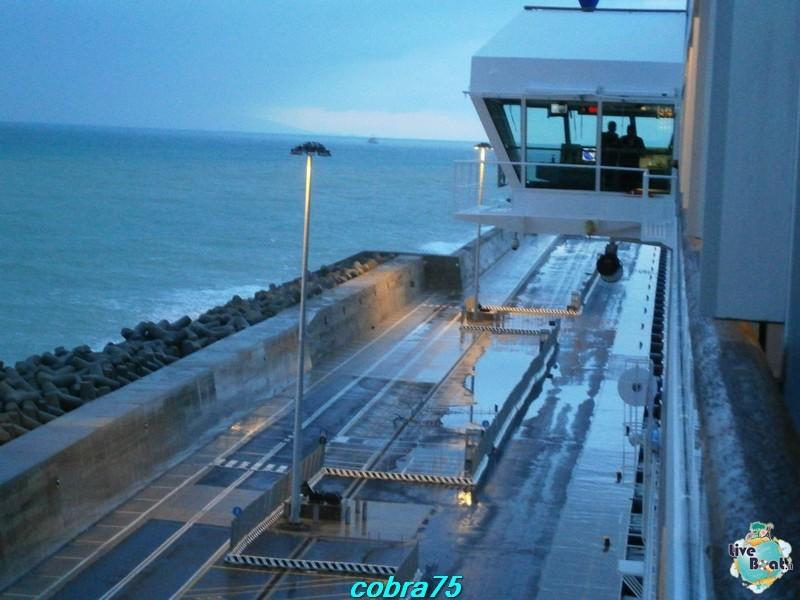 Le alette dei Ponti di Comando.-costa-magica-and-msc-splendida-liveboat-crocierep1160406-jpg