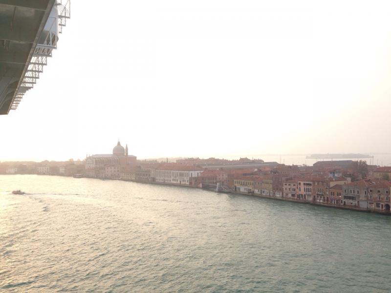 2014/10/13 Sbarco Venezia Costa Fascinosa-uploadfromtaptalk1413194899676-jpg