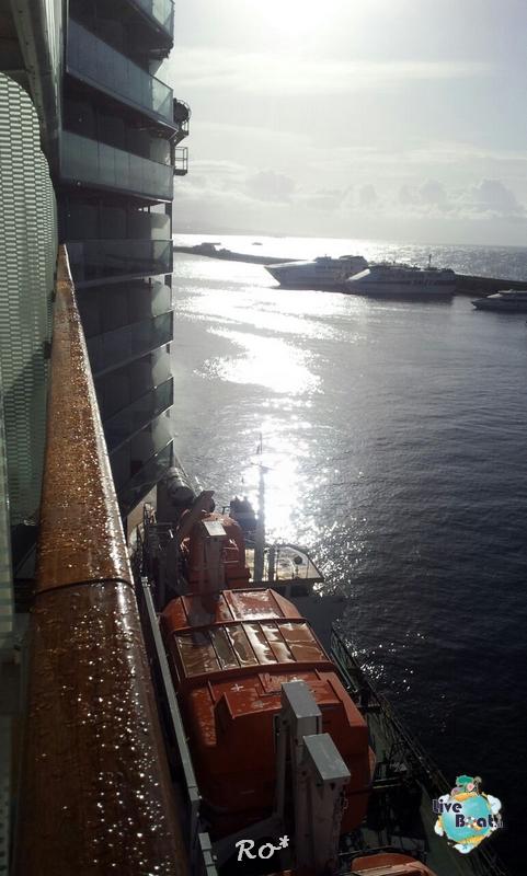 2014/10/16 Napoli Sbarco Celebrity Reflection-liveboat-001-celebrity-reflection-napoli-jpg
