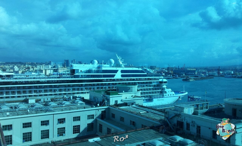 2014/10/16 Napoli Sbarco Celebrity Reflection-liveboat-005-celebrity-reflection-napoli-jpg