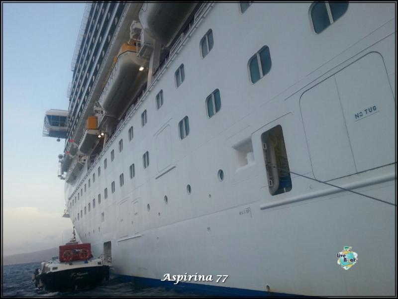 2014/10/17 Santorini Costa Fascinosa-escursione-santorini-fira-diretta-liveboat-20-jpg