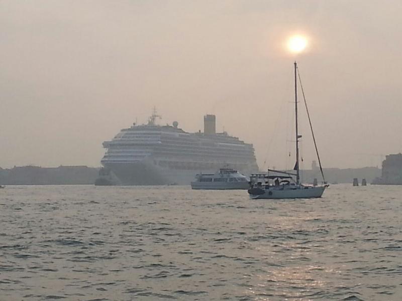 2014/10/20 Venezia sbarco Costa Fascinosa-costa-fascinosa-parte-venezia-diretta-liveboat-1-jpg
