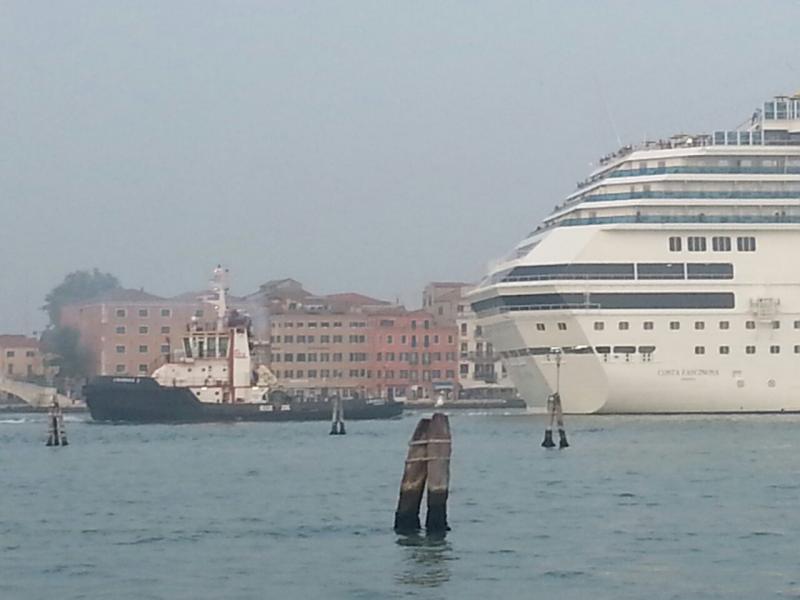 2014/10/20 Venezia sbarco Costa Fascinosa-costa-fascinosa-parte-venezia-diretta-liveboat-6-jpg