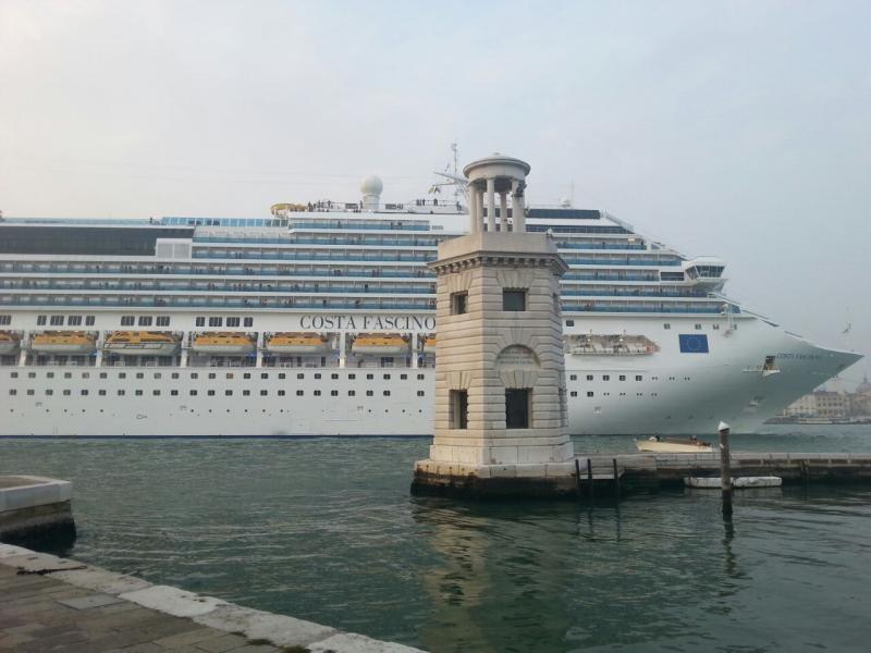 2014/10/20 Venezia sbarco Costa Fascinosa-costa-fascinosa-parte-venezia-diretta-liveboat-7-jpg