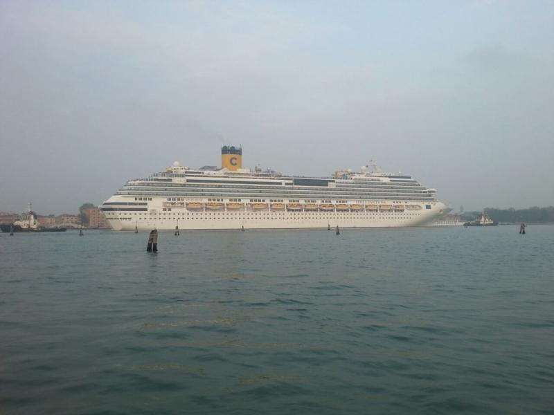 2014/10/20 Venezia sbarco Costa Fascinosa-costa-fascinosa-parte-venezia-diretta-liveboat-10-jpg