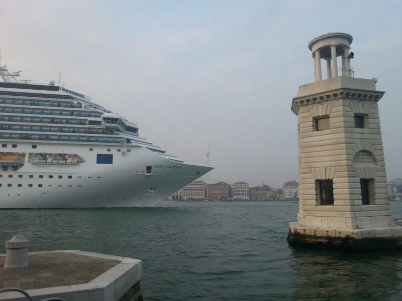 2014/10/20 Venezia sbarco Costa Fascinosa-costa-fascinosa-parte-venezia-diretta-liveboat-11-jpg