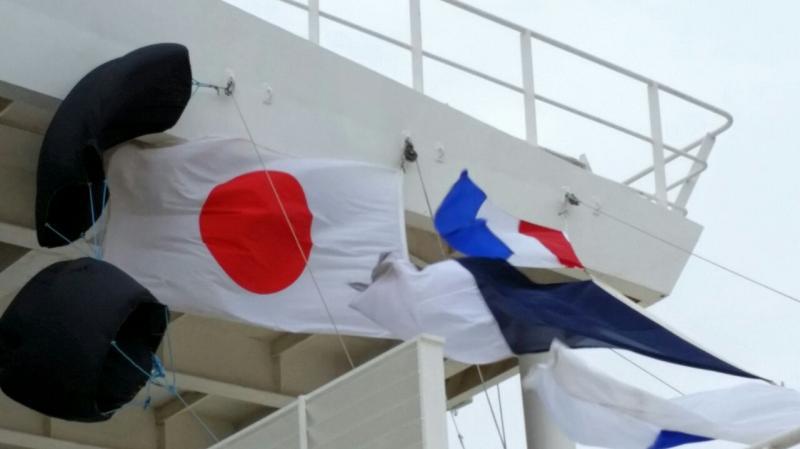 2014/10/22 Kobe Giappone Celebrity Millennium-arrivo-kobe-celebrity-millennium-diretta-liveboat-2-jpg