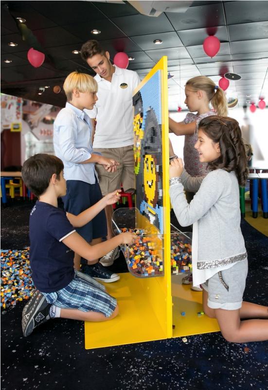 Msc collabora con Lego group-msc1419616_life_on_board_child-jpg