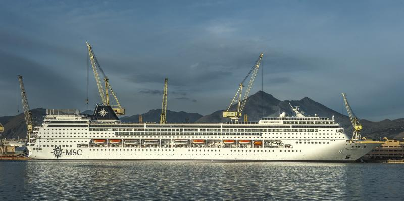 2014/11/17 Consegnata MSC Armonia da Fincantieri a Palermo-msc-armonia-jpg