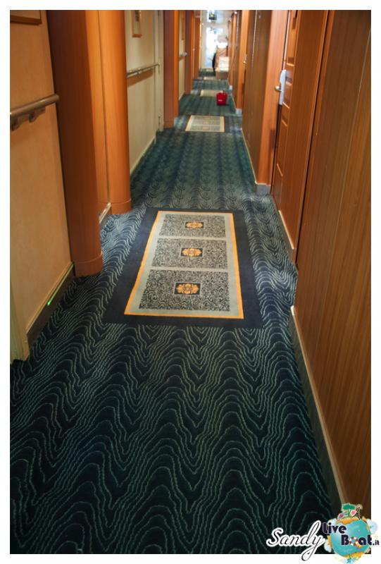 Corridoi e zona ascensori di Msc Armonia-msc-armonia-vani-scale-corridoi0001-jpg