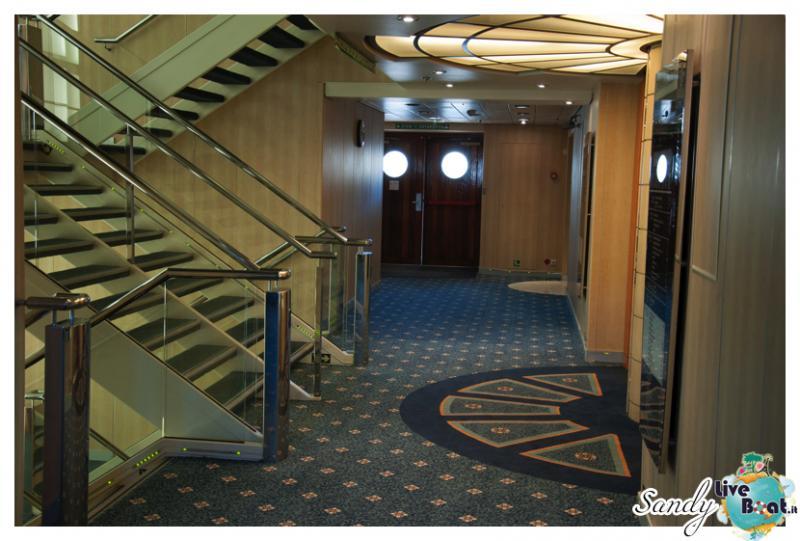 Corridoi e zona ascensori di Msc Armonia-msc-armonia-vani-scale-corridoi004-jpg