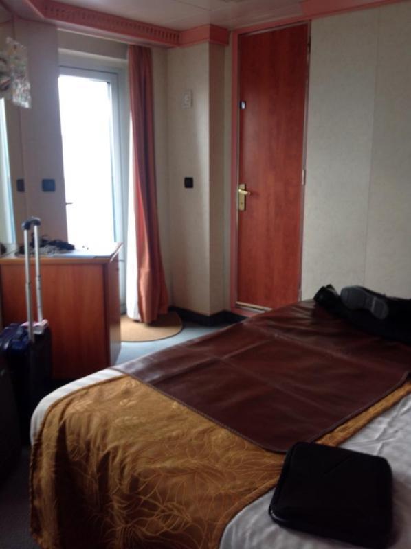 2014/11/26 Costa Fortuna Savona Imbarco-miny-suite-costa-fortuna-2-jpg