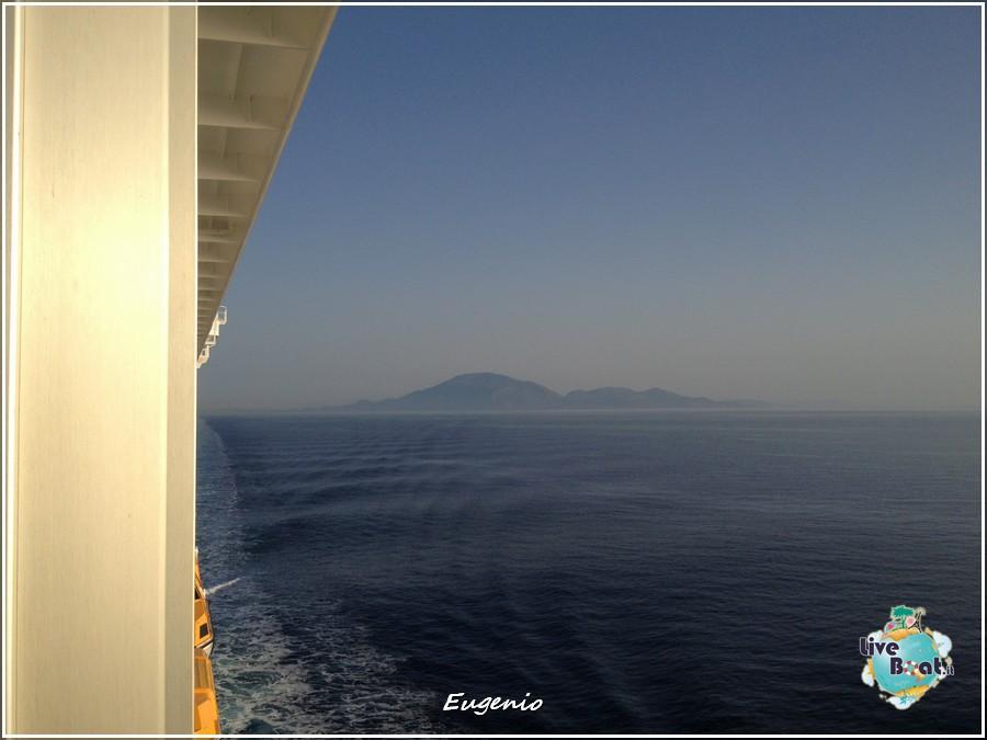2013/06/11 - Katakolon-tapatalk-costa-fascinosa-katakolon-liveboat-0005-jpg