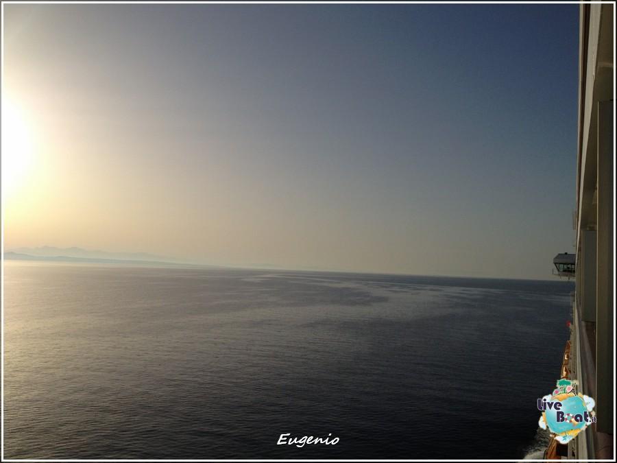 2013/06/11 - Katakolon-tapatalk-costa-fascinosa-katakolon-liveboat-0006-jpg