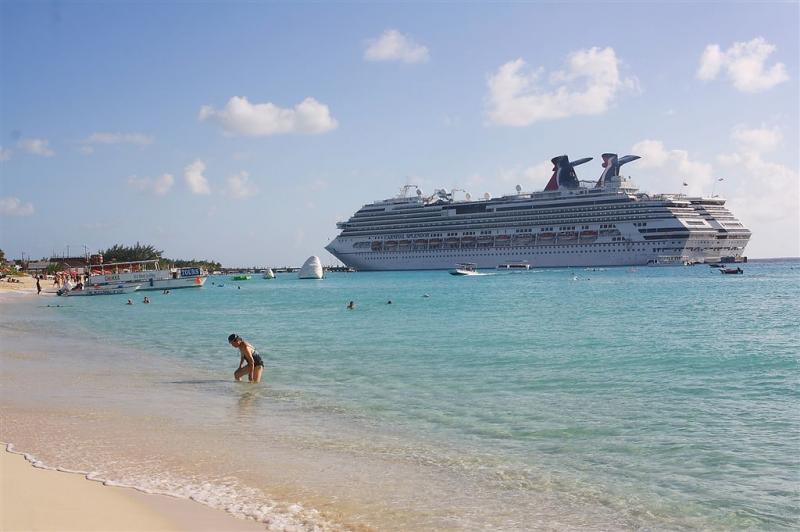 Foto  nave Carnival Splendor-141121-grand-turk_084-jpg