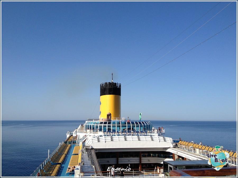 2013/06/11 - Katakolon-tapatalk-costa-fascinosa-katakolon-liveboat-0014-jpg