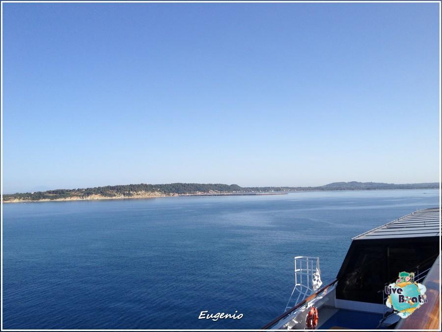 2013/06/11 - Katakolon-tapatalk-costa-fascinosa-katakolon-liveboat-0016-jpg