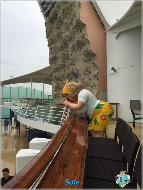 2014/12/24 Crociera Mariner OTS Royal Caribbean  Singapore -Malesia- Thailandia-foto-royalcclmarinerots-imbarcosingapore-direttaliveboat-crociere-14-jpg