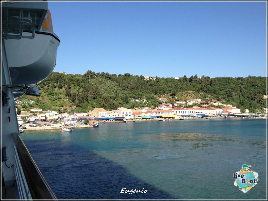2013/06/11 - Katakolon-tapatalk-costa-fascinosa-katakolon-liveboat-0019-jpg