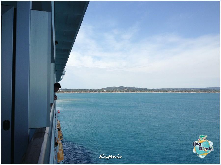 2013/06/11 - Katakolon-tapatalk-costa-fascinosa-katakolon-liveboat-0032-jpg
