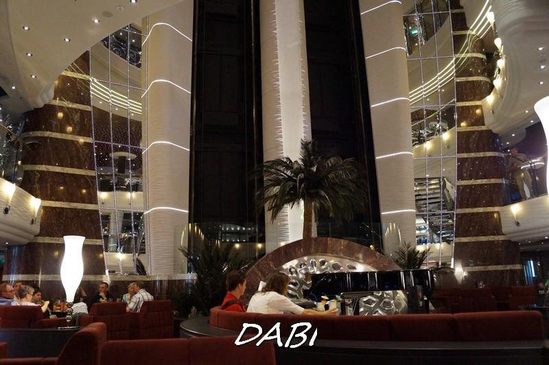 Re: Hall principale MSC Divina-image00659-jpg