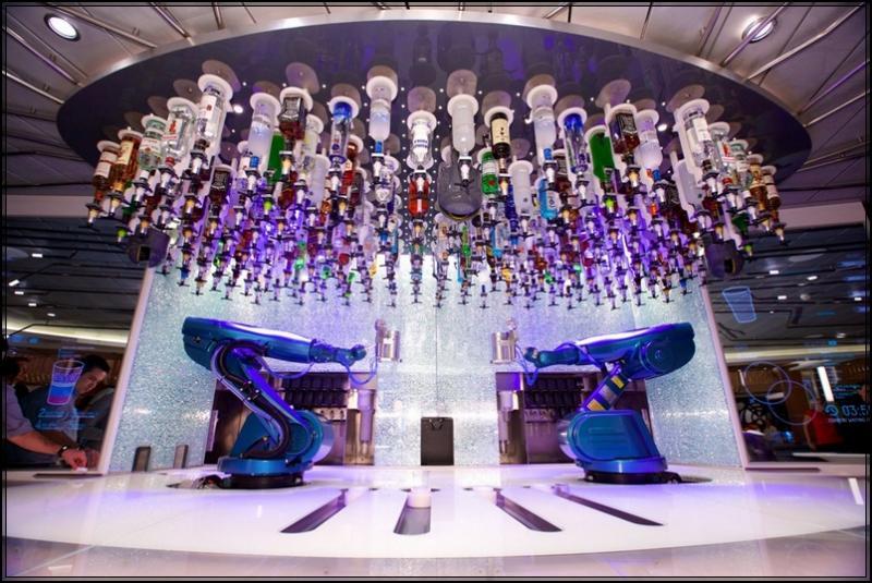 Royal Caribbean stupisce con effetti speciali 7 navi in arrivo-bionic-bar-jpg