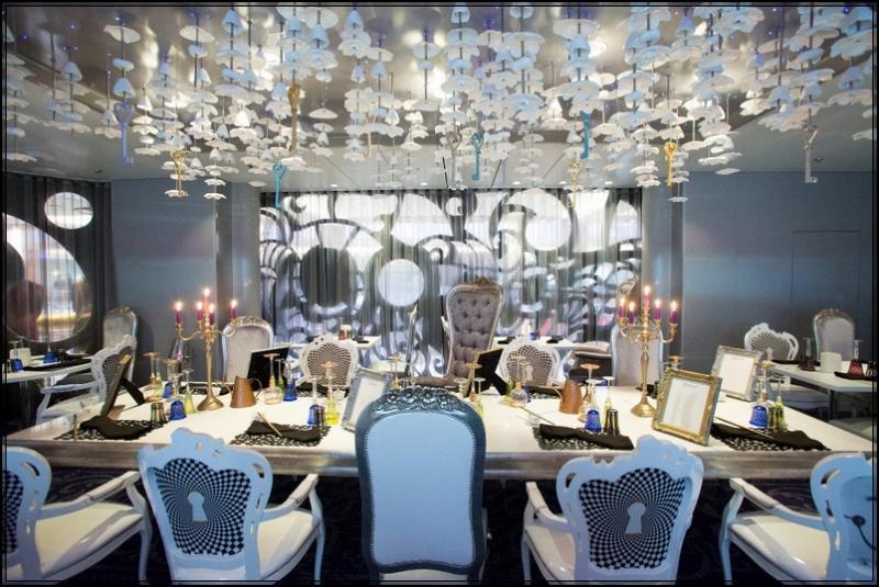 Royal Caribbean stupisce con effetti speciali 7 navi in arrivo-wonderland-restaurant-jpg