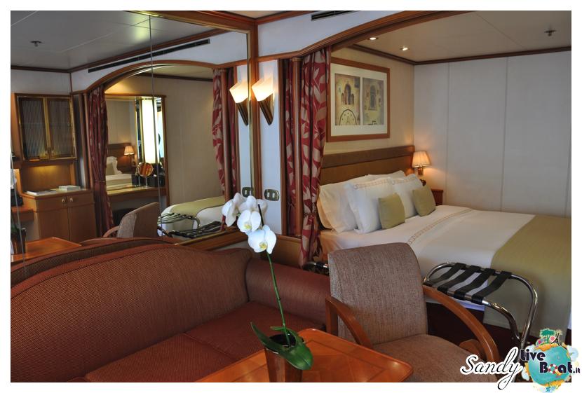 Silver Cloud - Midship Veranda Suite con vasca-silversea_silver_cloud_midship_veranda_suite_liveboat_crociere009-jpg