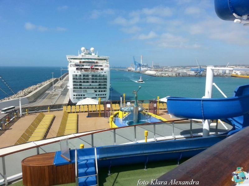 2 aprile 2015 - visita Costa Atlantica a Civitavecchia-200foto-costa-atlantica-giro-mondo-cinesi-jpg