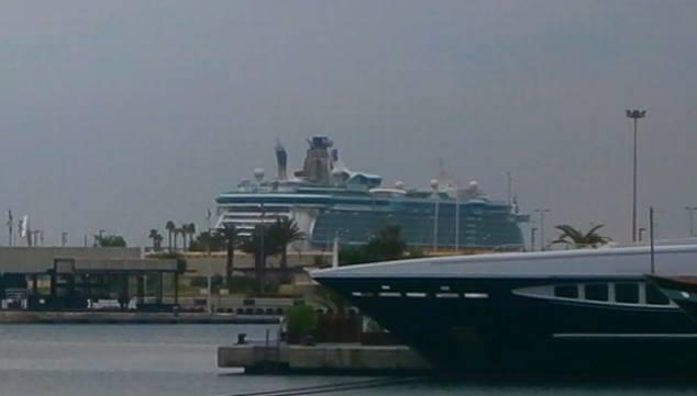 Cosa visitare a Valencia -Spagna--independence-of-the-seas-molo-valencia-2-jpg