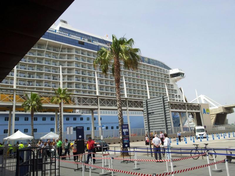 2015/05/13 Quantum of the seas, partenza da Barcellona-foto-quantum-ots-royal-barcellona-forum-crociere-liveboat-5-jpg