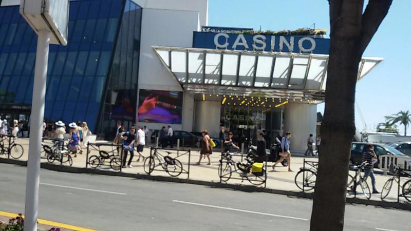2015/05/18 Cannes MSC Divina-imageuploadedbytapatalk1431959167-554323-jpg