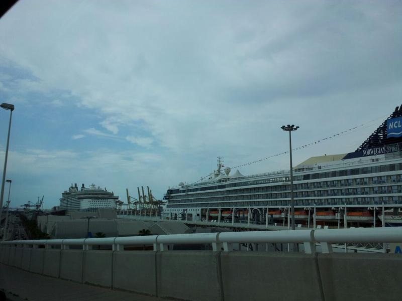 2015/05/19 Allure of the seas, partenza da Barcellona-uploadfromtaptalk1432030893072-jpg