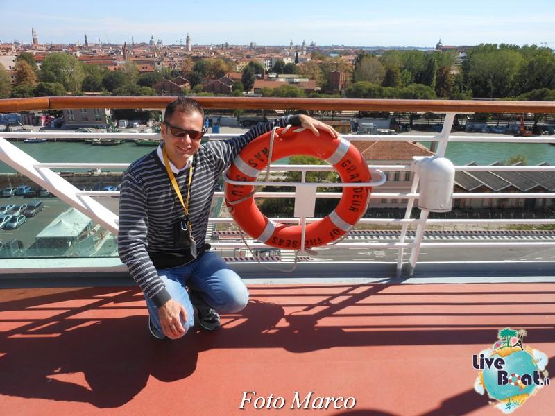 """Le foto col salvagente """" le nostre ciambelle """"-12foto-liveboat-ciambelle-jpg"""