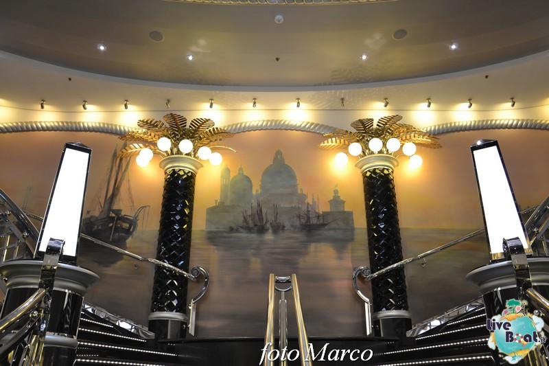 -29foto-msc_divina-liveboat-yacht_club-jpg