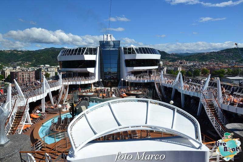 """Re: """"Aqua park"""" - la piscina centrale di MSC Divina-123foto-msc_divina-liveboat-yacht_club-jpg"""
