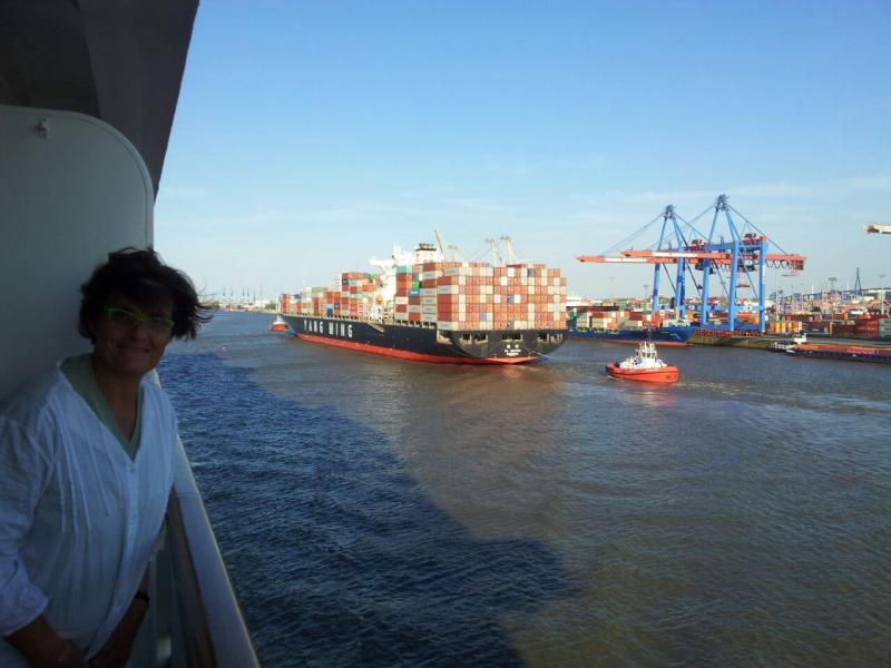 2015/06/07 - MSC Splendida - Amburgo (partenza)-uploadfromtaptalk1433700322853-jpg