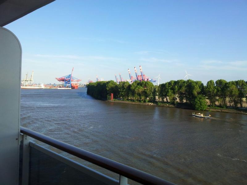 2015/06/07 - MSC Splendida - Amburgo (partenza)-uploadfromtaptalk1433700338658-jpg
