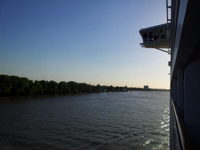 2015/06/07 - MSC Splendida - Amburgo (partenza)-uploadfromtaptalk1433700366392-jpg